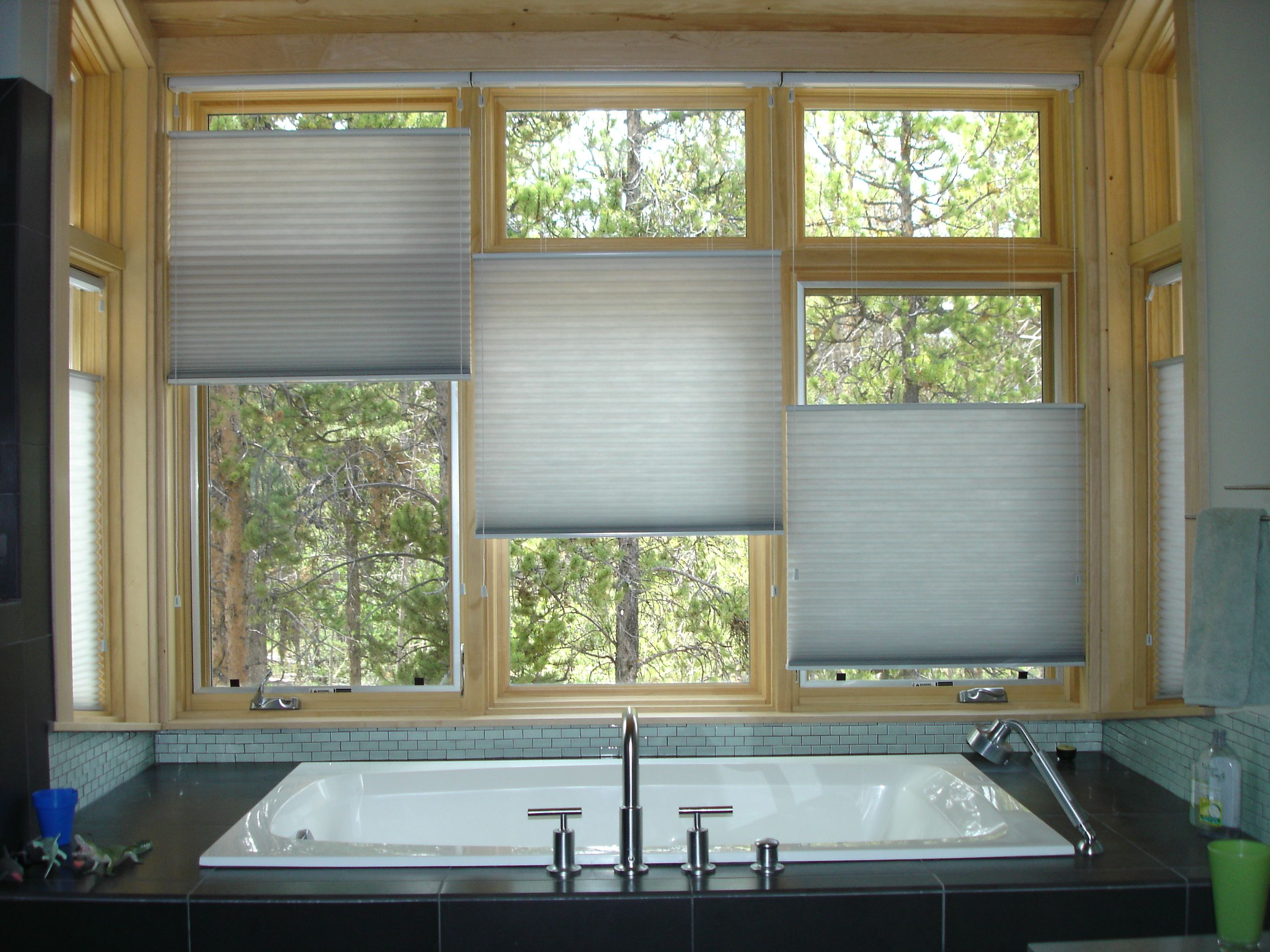 The window fair custom window coverings hunter douglas for Window shades